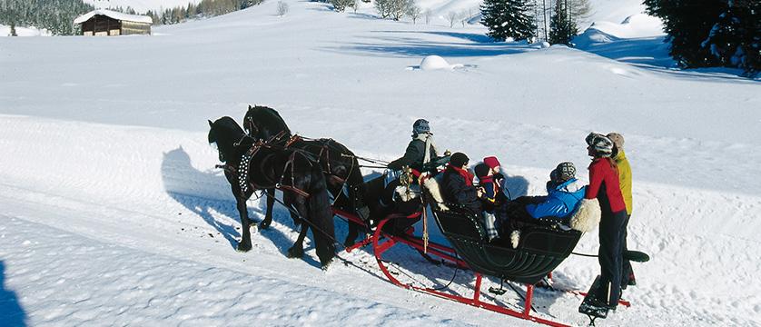 Austria_Filzmoos_Hotel-Hammerhof_sleigh-ride-winter.jpg